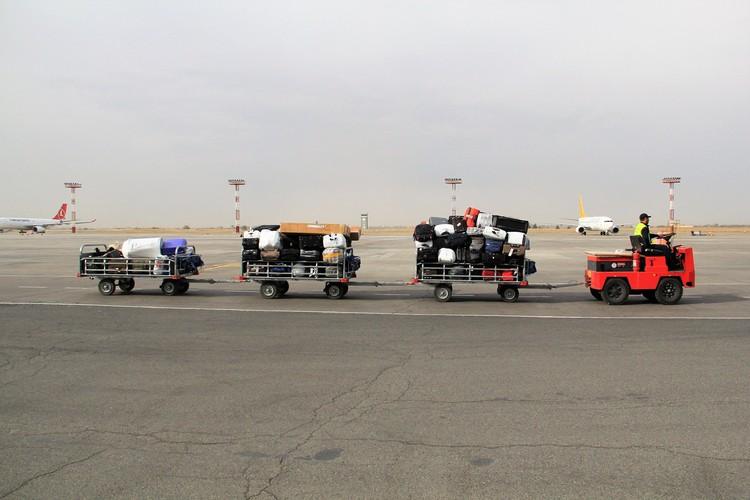 Обслуживание пассажиров, доставка багажа, ремонт судна и покупка топлива - главные статьи расходов авиакомпаний. .