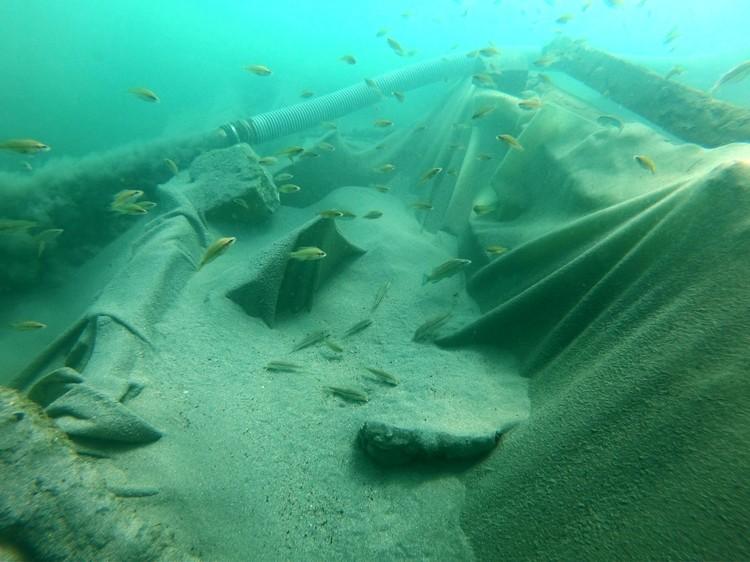 Парусники и предметы обихода прекрасно сохранились на дне Черного моря. Фото: Черноморский центр подводных исследований