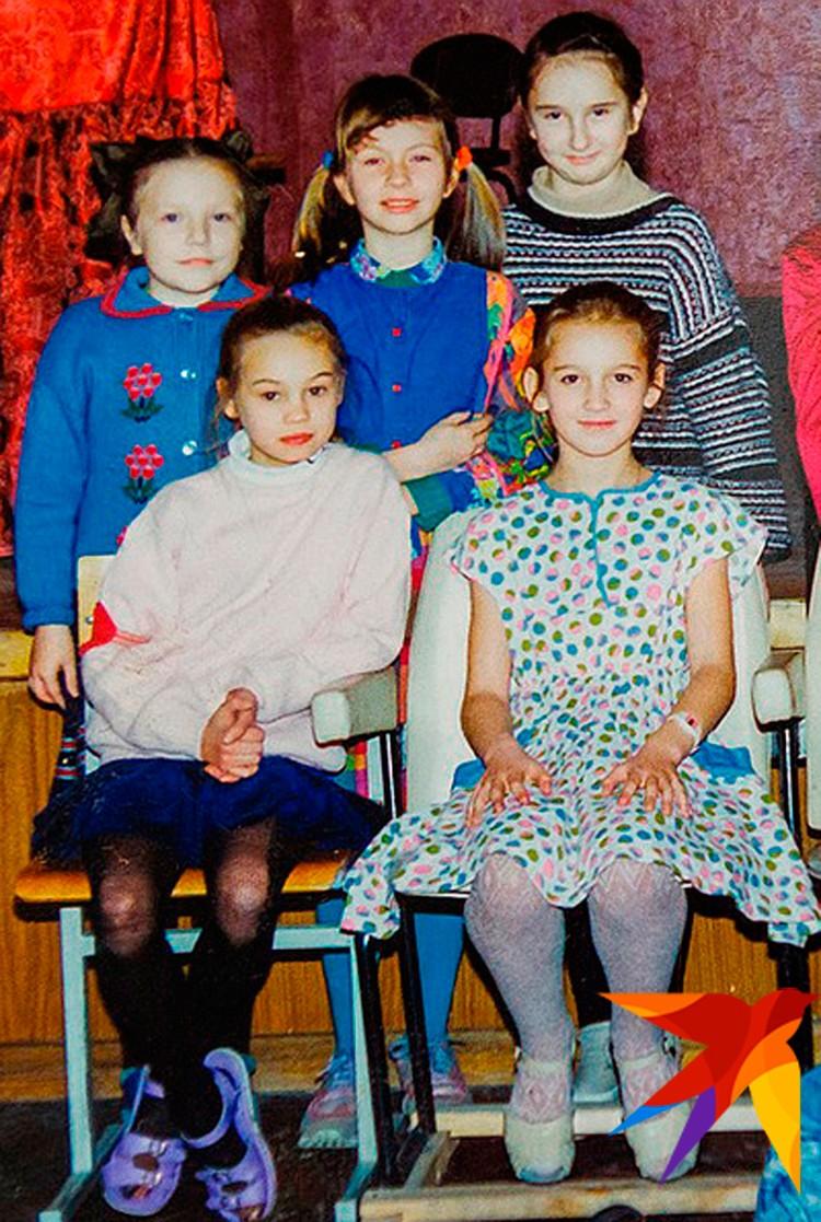 Ольга Бузова пошла в школу в 6 лет. Так хотела ее мама.