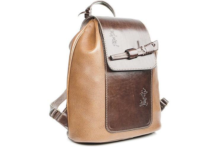 Рюкзак - только для школьниц? Ничего подобного! Это последний писк и среди зрелых дам.