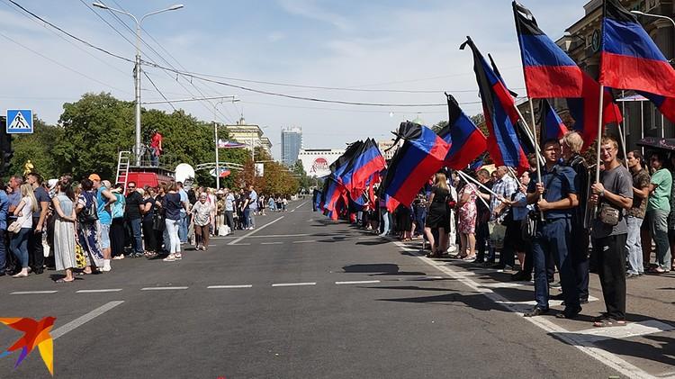Убийство Захарченко - аналог того самого, ожидаемого «большого наступления» Украины. Это перелом, веха. Он случился. Теперь все ждут реакции Москвы