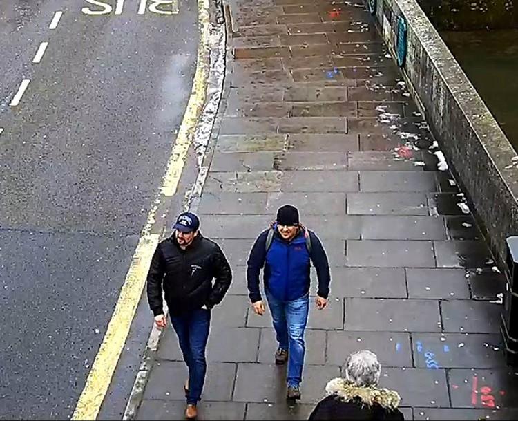 Английские сыщики приходят к выводу о том, что именно Петров и Боширов «измазали» входную дверь дома бывшего шпиона тем самым отравляющим веществом
