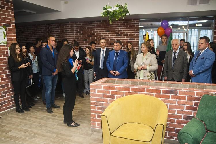 Офис нового формата для Управление по воспитательной работе и молодежной политике обустроили в современном лофтовом стиле. Фото: timacad.ru.