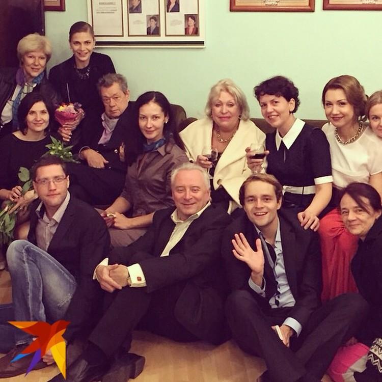 То самое драгоценное для Александры Бутор, как и для всех его героев, фото с Николаем Караченцовым. Фото: Архив Александры Бутор