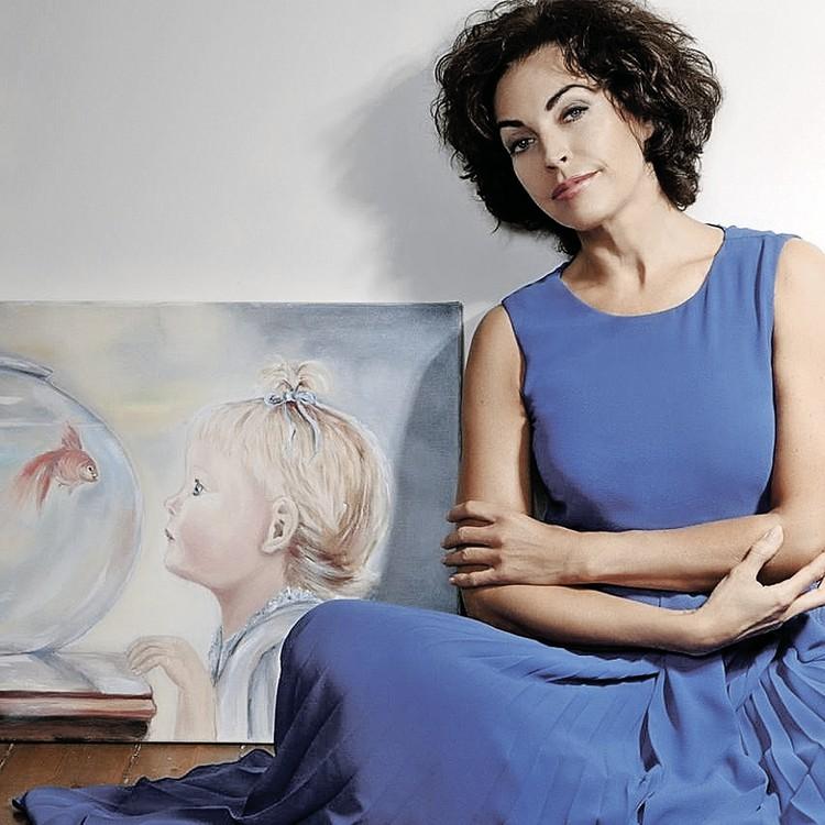 Этот портрет маленькой дочки Елена Бомбина (Задорнова) нарисовала сама. Фото: Татьяна ВЛАСОВА