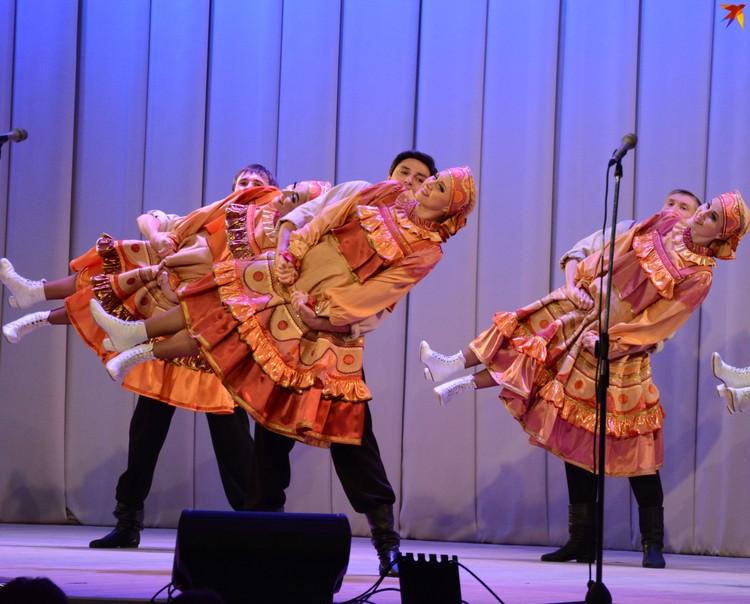 Через танец артисты рассказали о работе скопинских гончаров