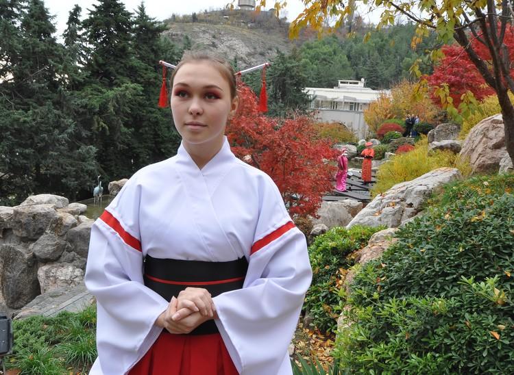 Туристов встречали гейши