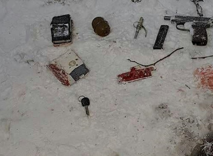 У боевиков была граната и пистолет