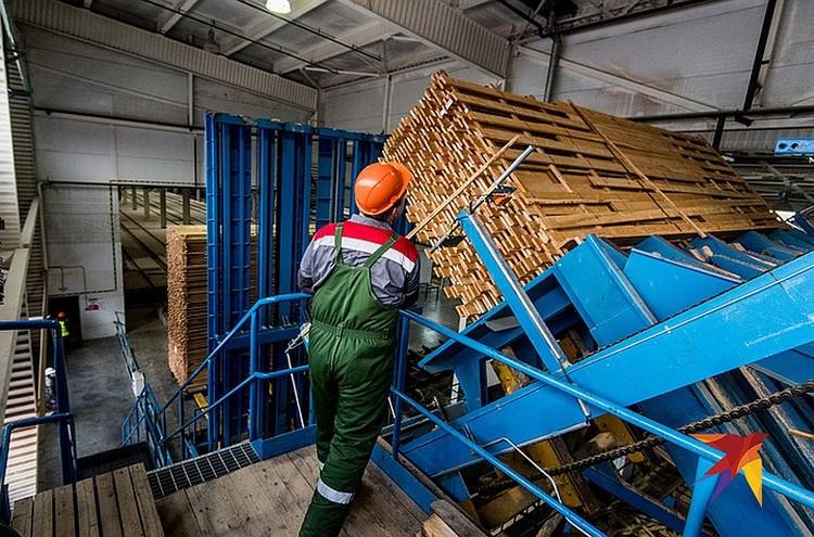 В проект строительства завода вложены серьезные деньги.