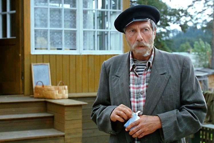 Смекалистый выпивоха дядя Митя из «Любовь и голуби»