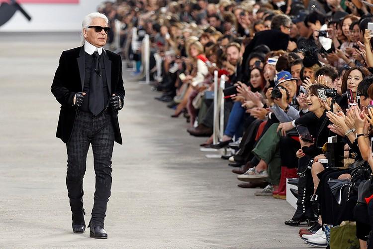 Карл Лагерфельд на показе Парижской недели моды, 2014 год.