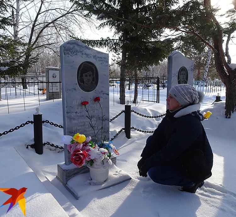 Валя впервые пришла на могилы товарищей лишь спустя 25 лет после трагедии