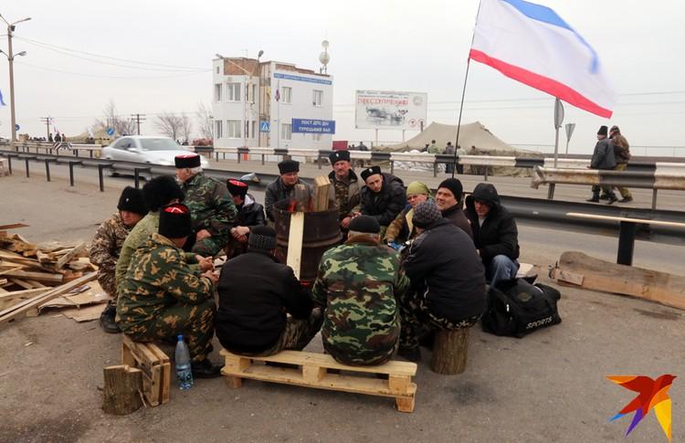 Силы самообороны взяли в 2014 году под защиту и границу Крыма с Украиной
