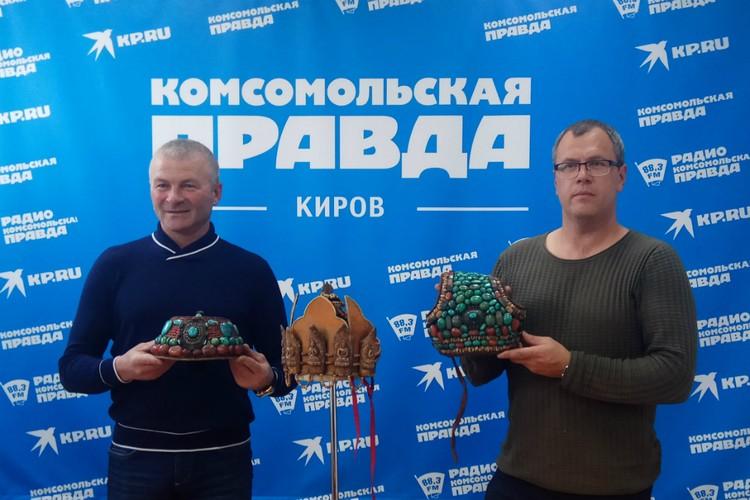 Олег Уваров и Валерий Смолюк на встрече с журналистами