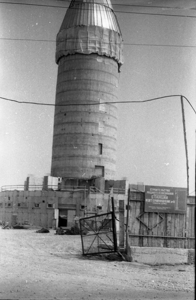 Телебашню строили, заливая бетон в специальный «колокол», которая поднимался по мере того, как башня росла. Фото: ГКУСО «ГАСО»