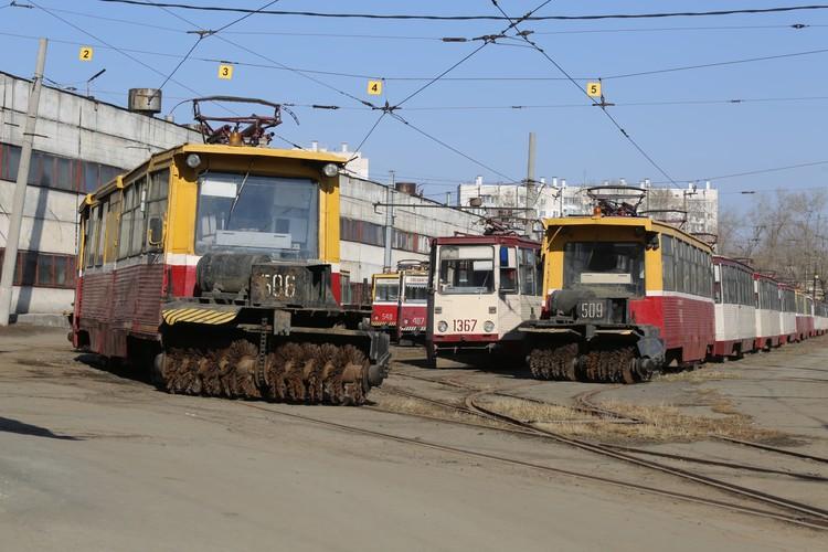 Большую часть трамваев депо используют как доноров.
