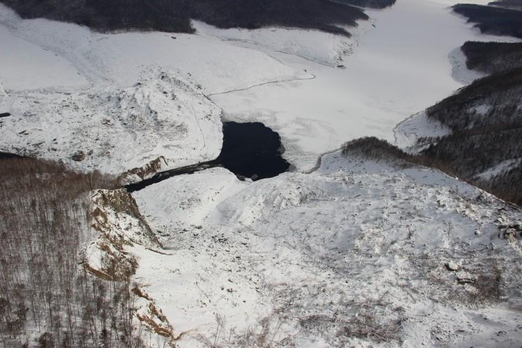 Проран решил задачу снабжения Бурейского водохранилища водой, но канал получился достаточно узким так что угроза затопления Чекунды сохраняется