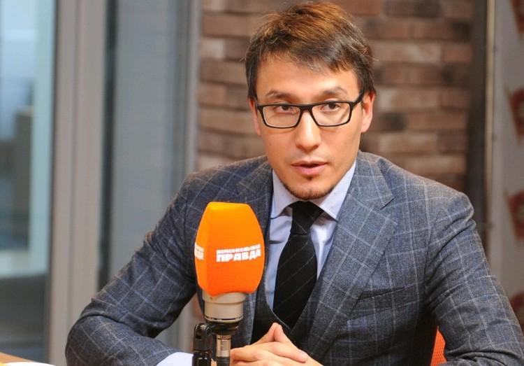 Глава Центра стратегических коммуникаций Дмитрий Абзалов в прямом эфире радио `Комсомольская правда`.