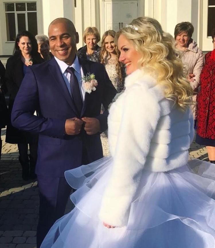 Сэм Селезнев женился прошлой осенью