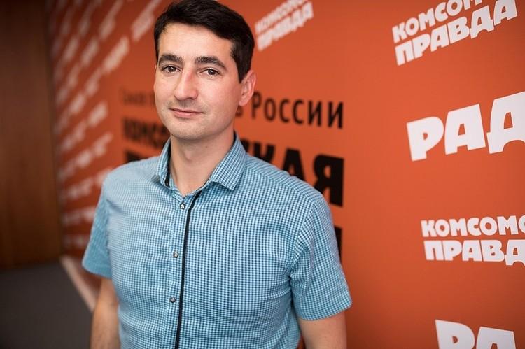 За работой доктора Жени следят по всему миру. Фото: Андрей АБРАМОВ.