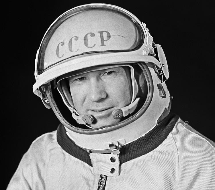 Летчик-космонавт СССР Алексей Леонов в 1965 году. Фото Валентина Черединцева /Фотохроника ТАСС/
