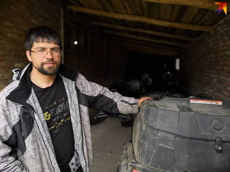 Анатолий, хозяин гостиницы «Крепость», откуда выехали туристы. В ней они вообще всегда останавливались.