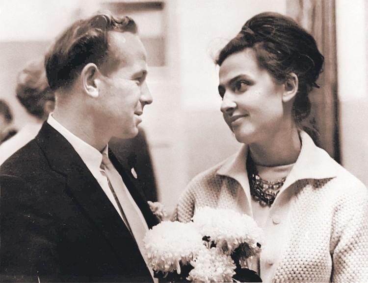 С женой Светланой Павловной Алексей Архипович познакомился в 1957 году. Вместе они уже больше 60 лет! Фото: В. БАЗАНОВ/Фотохроника ТАСС