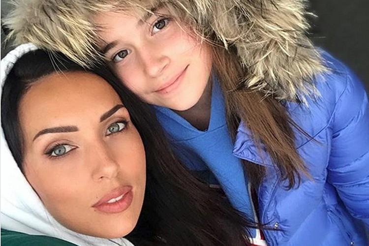 Махинации в детском вокальном шоу могут довести родителей Микеллы Абрамовой до тюрьмы