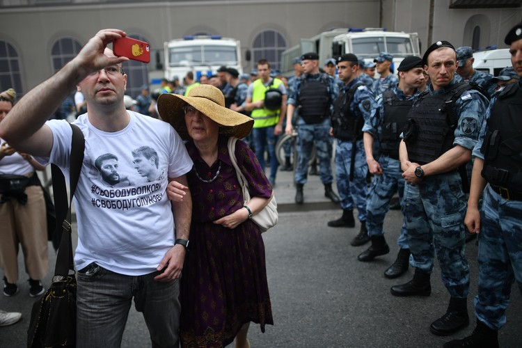 Сам Иван Голунов просил не выходить на несогласованную акцию