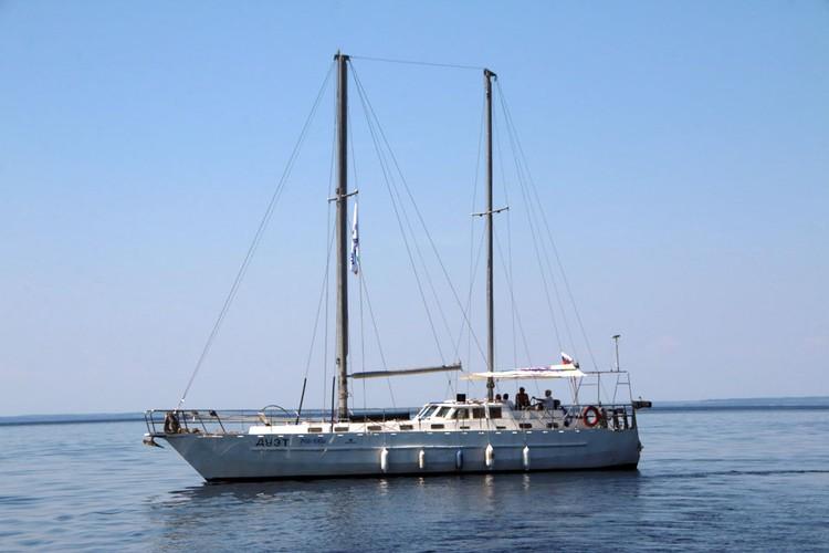 Яхта главного судьи