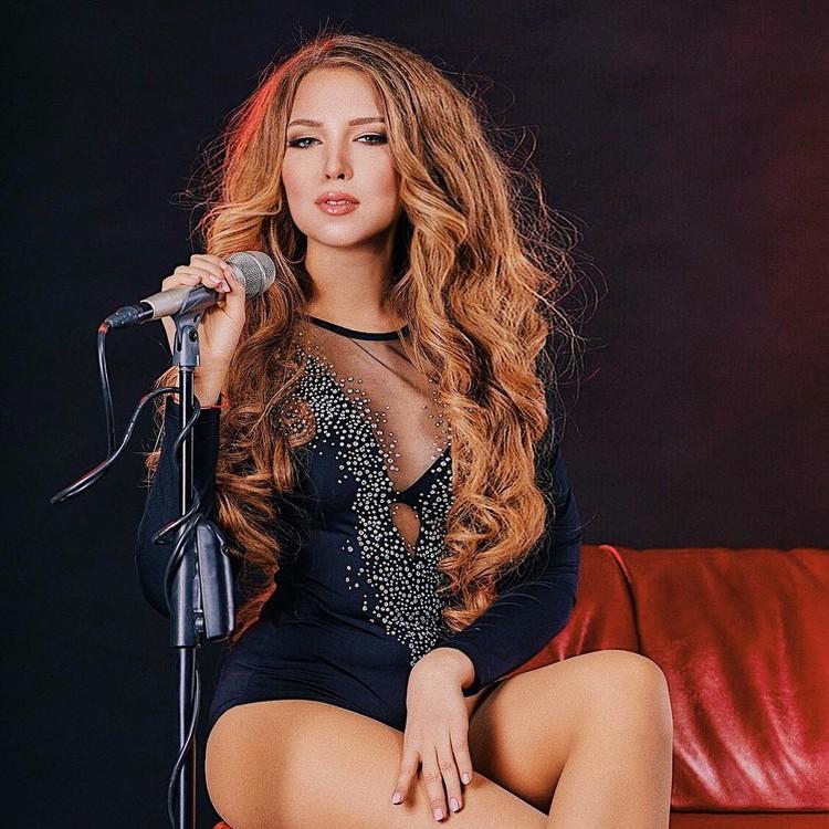 София в свои 21 год уже дает сольные концерты.