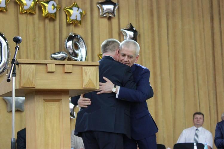 Депутат Госдумы Геннадий Онищенко поздравил с историческим событием ректора медицинского вуза Николая Зайченко