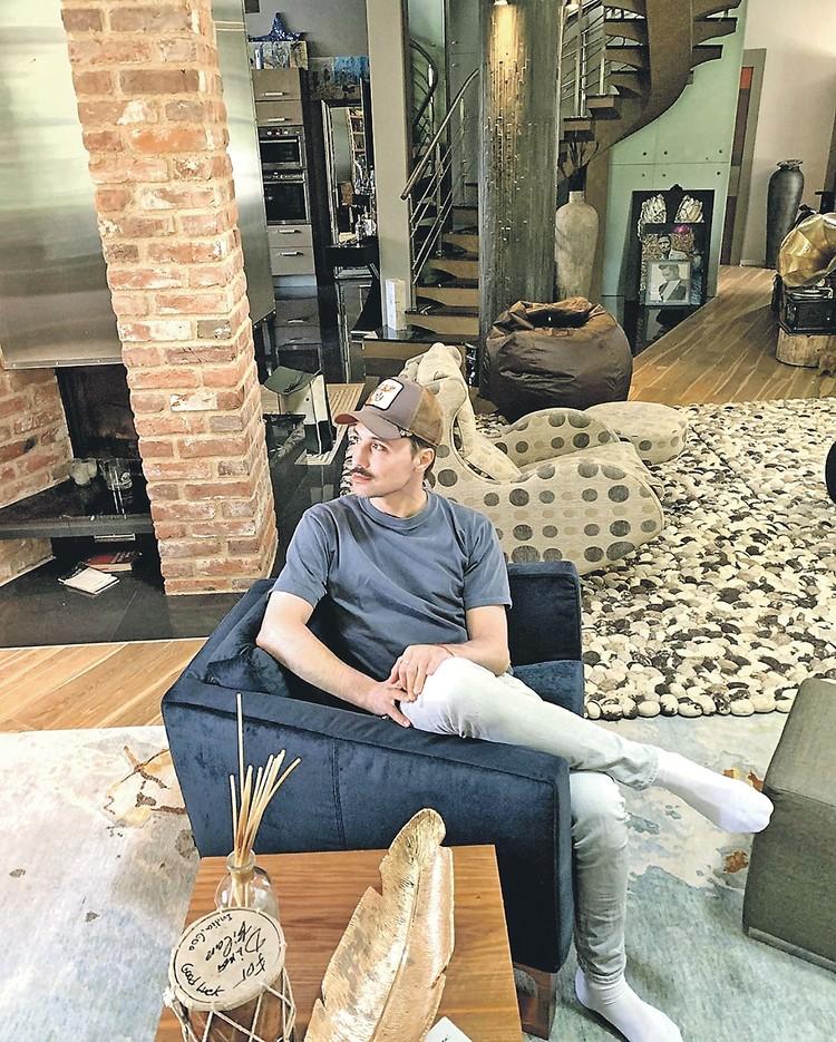 В своем особняке Билану очень уютно. Фото: instagram.com/bilanofficial
