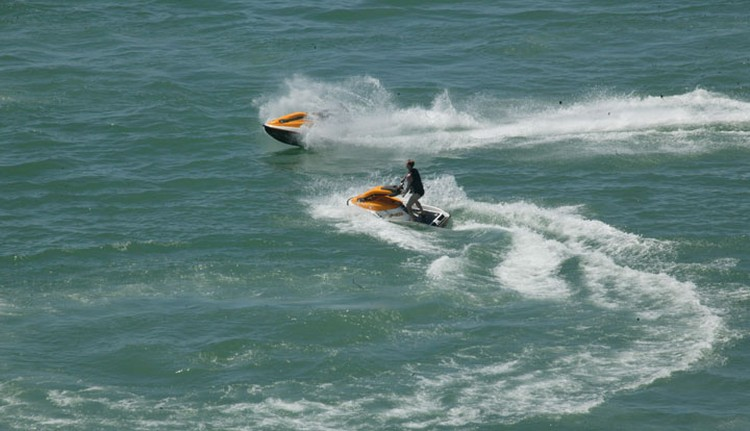 «Покатушки» на водном скутере едва не стоили жизни казахстанцу.