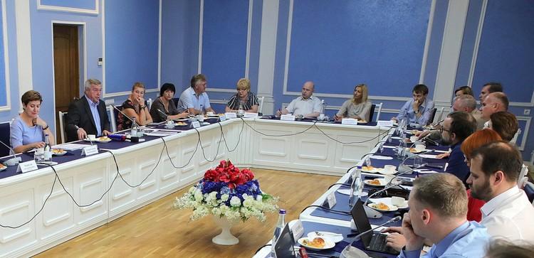 На встрече присутствовали руководители ведущих СМИ Ростова и области.