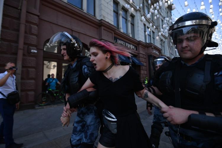 Любой протест, как по сценарию, превращают в бойню радикалы