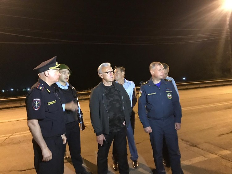 Александр Усс и Илай Ахметов проехали по улицам Ачинска