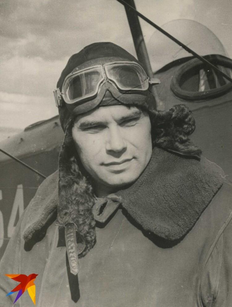 Василий Песков - летчик.