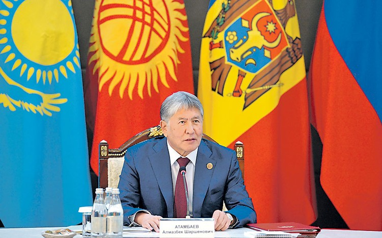 Четвертый президент Киргизии Алмазбек Атамбаев.