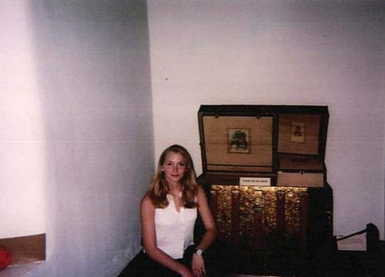 Вирджиния Робертс на момент отношений с Эпштейном. Фото: полиция Флориды