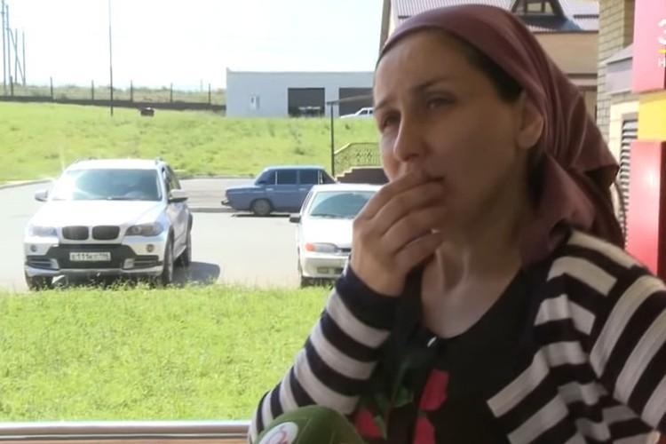 Мать истерзанной ингушской девочки Лидия Ажигова