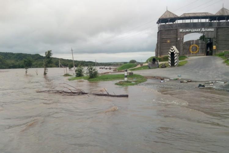 Вода пошла на убыль, но еще, как минимум, несколько дней ситуация не изменится. Фото: предоставлено героем публикации.
