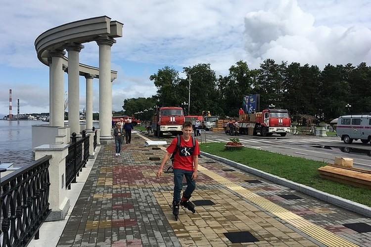 Хабаровская набережная остается местом отдыха даже в режиме ЧС