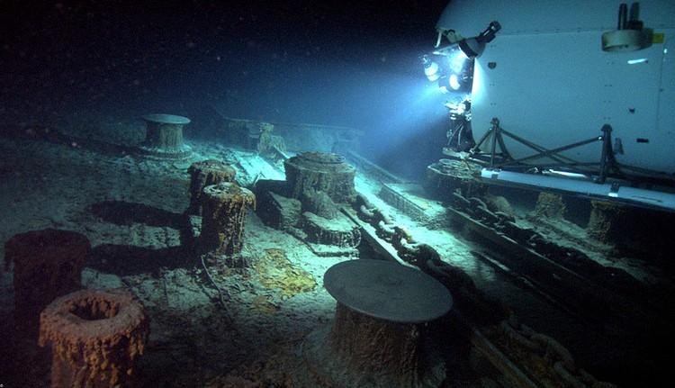 Mесто гибели корабля посетили 17 экспедиций, включая российские глубоководные исследовательские аппараты «Мир-1» и «Мир-2»
