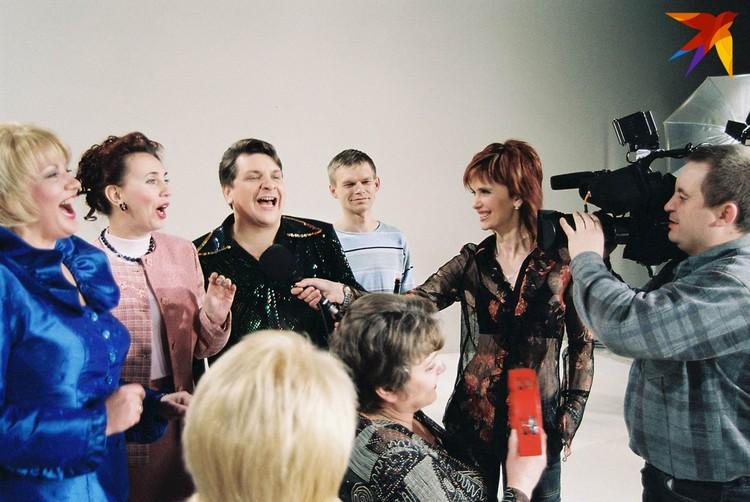 """В рамках """"PROдвижения"""" клипы снимали для разных артистов - например, для ансамбля """"Бяседа""""."""