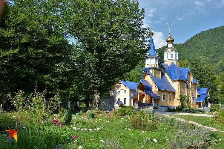 Храм, который заповедовал построить старец. Здесь по его словам православные сохранят свою веру до Судного дня