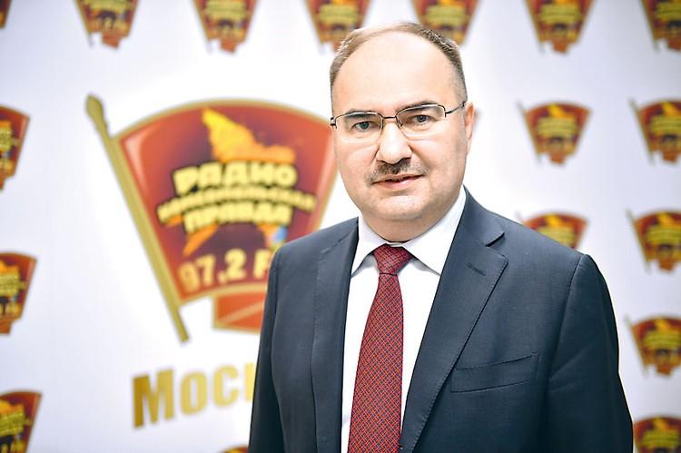 Антон Дроздов уверяет, что бояться хакеров не нужно. Информация о наших трудовых подвигах надежно защищена.