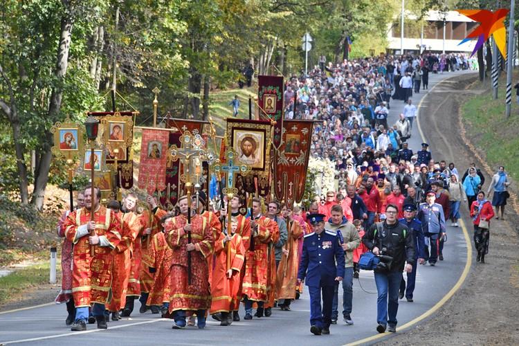 Верующие ежегодно проходят по уникальному маршруту, начиная с 2011 года. Больше фото - в фоторепортаже kp.ru