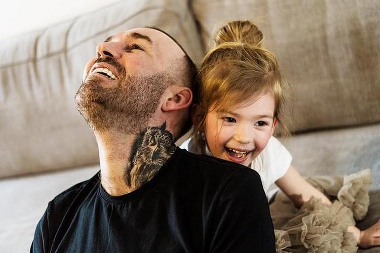 Дочка любила играть с папой
