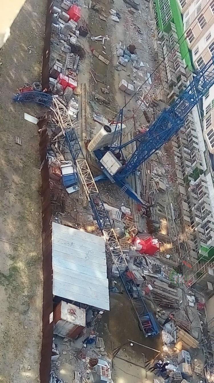 На улице Восточно-Кругликовской упала стрела башенного крана